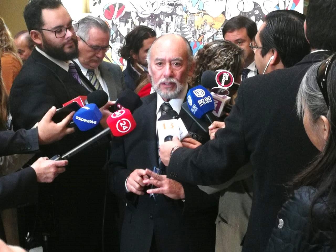 Diputado Garcia: Diputado Flores Reclama Que Ministerios De Economía Y